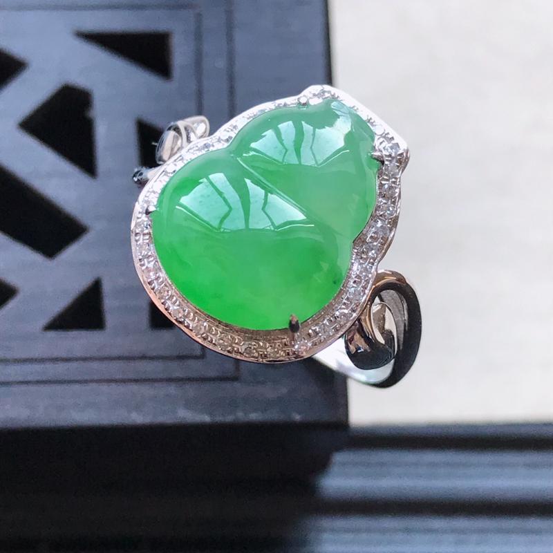 天然翡翠A货18K金镶嵌伴钻糯化种飘绿精美葫芦戒指,内径尺寸18.5m
