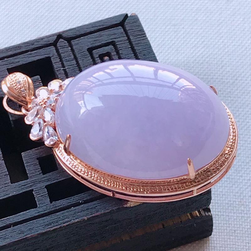 翡翠A货紫罗兰鸽子蛋吊坠,玉质细腻,底色漂亮,上身高贵,尺寸36.5/21.0/12.5mm裸石25