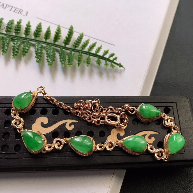 缅甸翡翠18k金伴钻镶嵌满绿水滴手链,自然光实拍,颜色漂亮,玉质莹润,佩戴佳品,单颗大裸石尺寸:7.