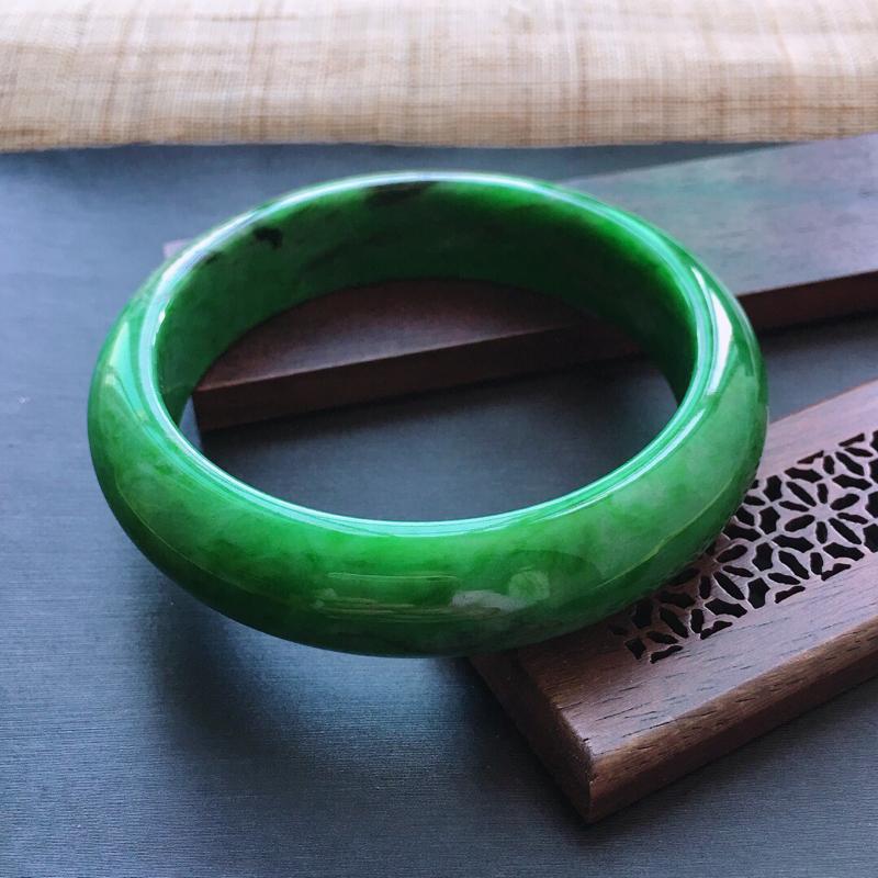 糯种满绿正圈手镯, 圈口:55mm   尺寸:13.8×8mm,  天然翡翠A货玉质细腻精雕细雕手镯