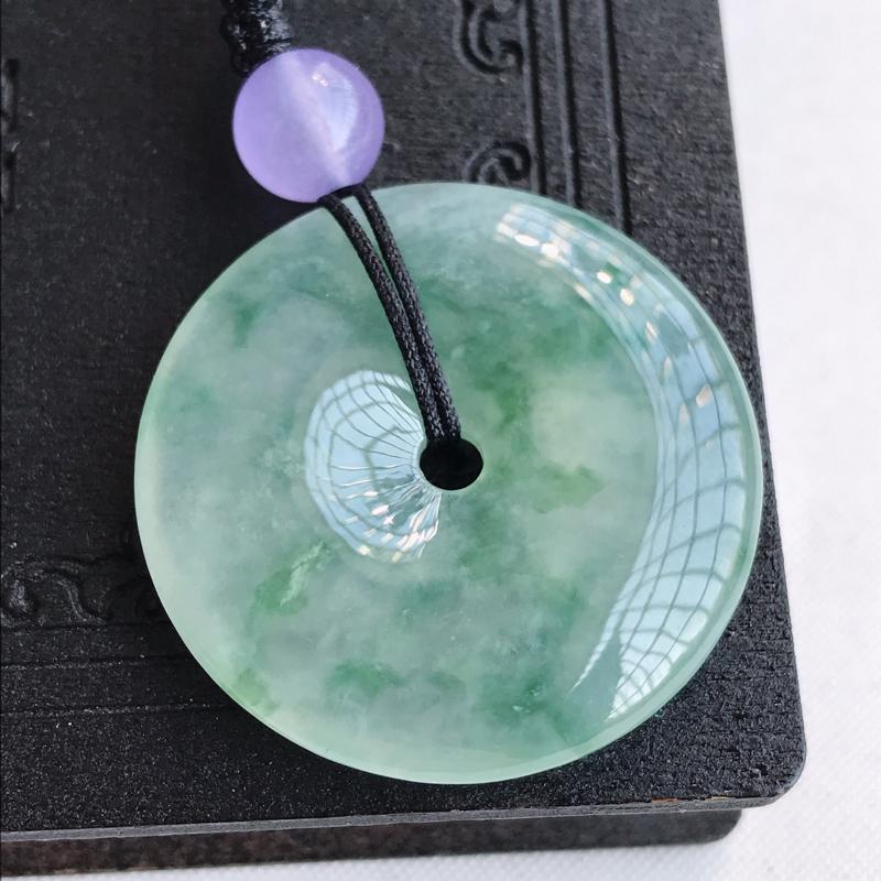 天然翡翠A货冰种飘花平安扣吊坠,尺寸:32.4×6mm,水润通透,形体饱满,雕工精美,顶珠是装饰品