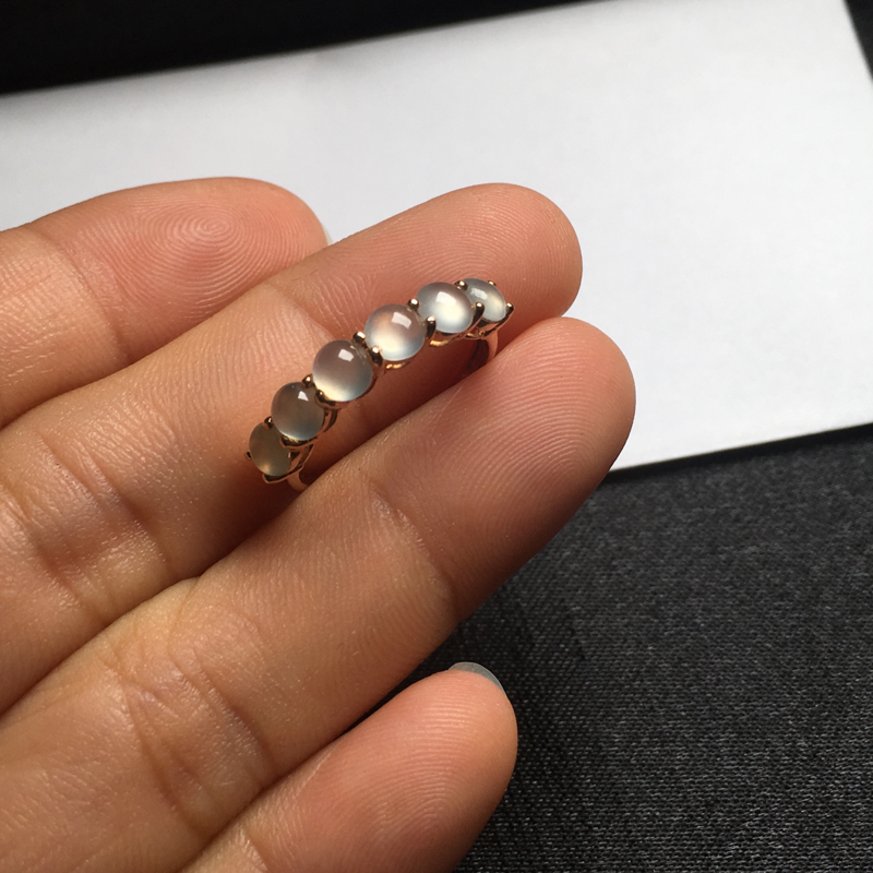 【18K金拼镶冰种起光蛋面戒指,颗颗完美饱满,裸石尺寸:4*3.7*2.2mm,整体尺寸:20.7*4*4.3mm,指圈:11号(下单前请先咨询)】图6