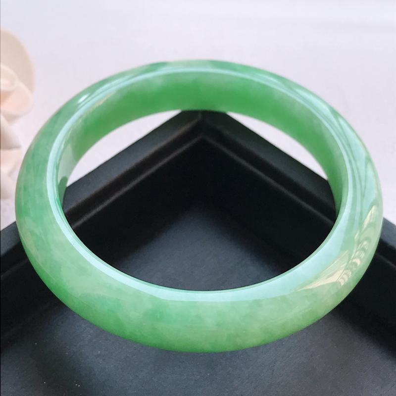 自然光拍摄 圈口54.3mm 糯种满绿正圈手镯C123 玉质细腻水润,条形大方,高贵优雅,端庄大气