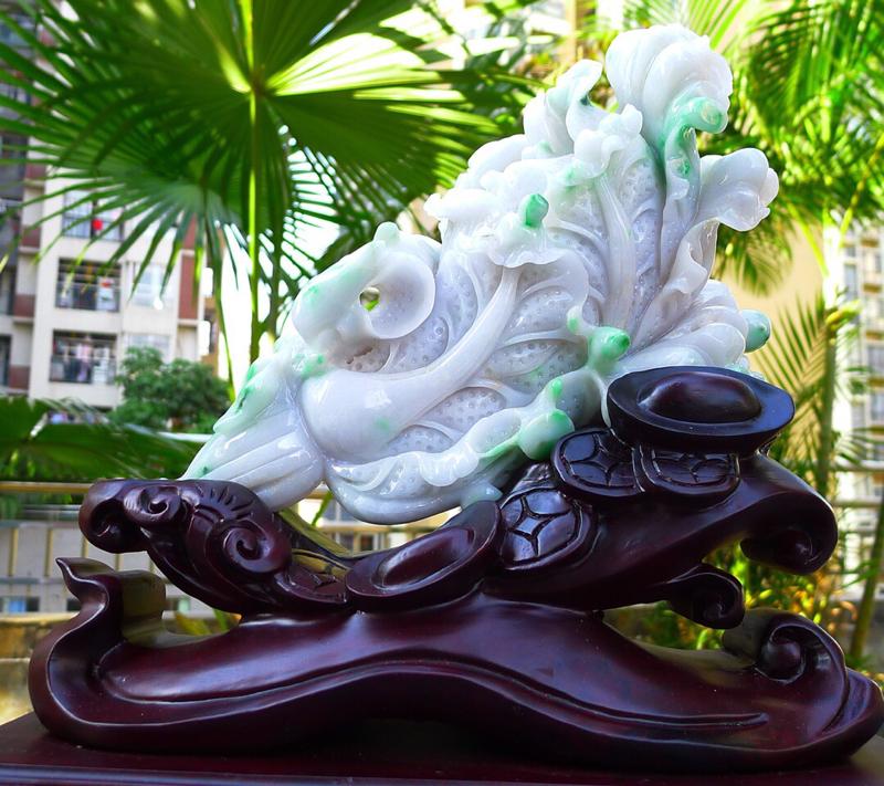 大白菜摆件 缅甸天然翡翠A货 精美飘花阳绿  八方来财 财源广进 步步高升 升官发财 白菜摆件 雕刻