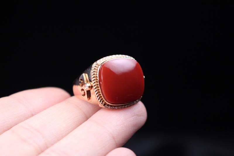 【物美价廉】*【戒指】小锦红方形戒面,18k玫瑰金镶嵌,真金真钻,温润细腻,高贵大方,整体无胶无裂无