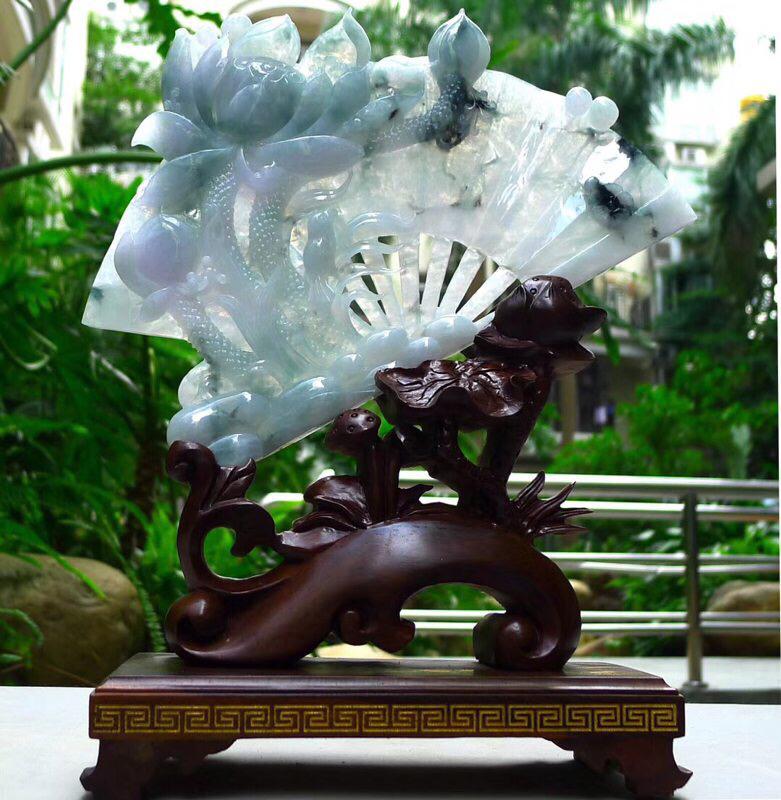 翡翠A货老坑水润冰透飘花精工和和美美一品清莲扇形摆件   裸石尺寸:180/255/20 连底坐:3
