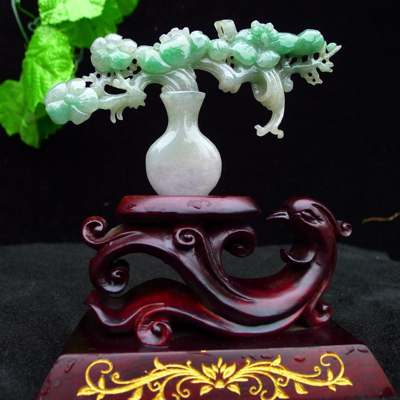 翡翠水润飘绿精品小花瓶摆件  裸石尺寸80*130*10mm 连精美底座尺寸150*130*60mm