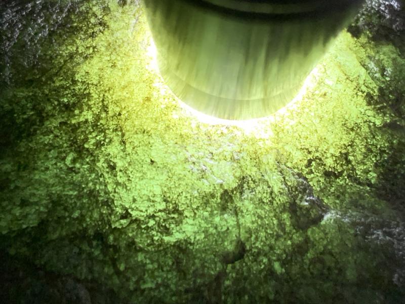 #免费切石解石做手镯#【名称】4.5公斤莫西沙场口全赌手镯料。 【重量】4.5公斤【尺寸】 200*