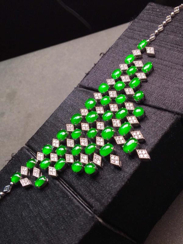 【高的冰阳绿晚妆链。完美。水头足。重金打造裸石尺寸5/3、4.4/3.8/3】图2