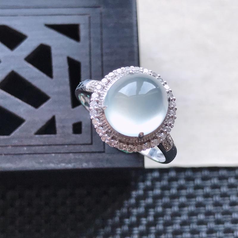 天然翡翠A货18K金镶嵌伴钻冰糯种白冰精美蛋面戒指,内径尺寸18.4mm,裸石尺寸9-8.4-4mm