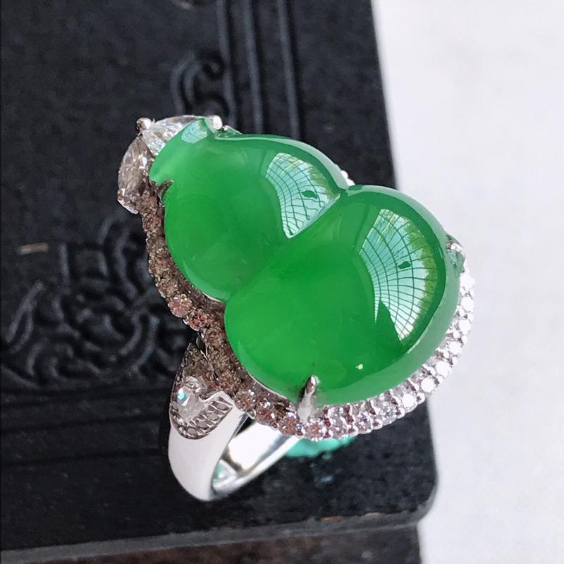 天然翡翠A货18k金伴钻镶嵌阳绿葫芦戒指吊坠两用款,含金尺寸:22.3×16.1×11.2mm,裸石