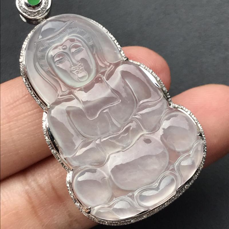 天然翡翠A货,冰种观音吊坠,料子细腻,冰透水润,豪华镶嵌,18K金伴钻镶嵌,性价比高