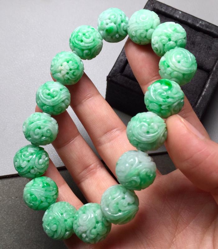 雕花珠链,完美水润,雕花精致,直径14.5