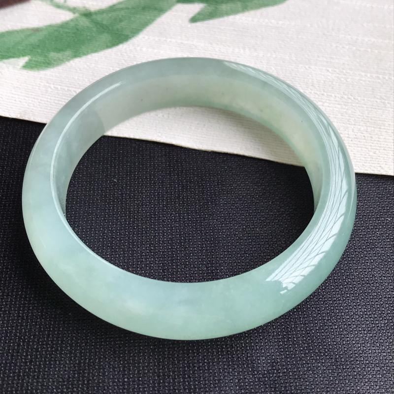 圈口56-57mm天然翡翠A货老坑冰糯种晴绿正圈手镯,圈口:56.7×13.4×8.5mm,料子细腻
