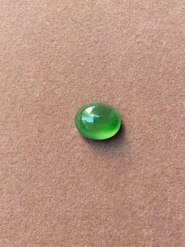 晴底飘绿,冰种戒面,完美,底色漂亮,刚劲十足,尺寸:9.5/7.9/3.7mm镶嵌佳品,性价比超高^