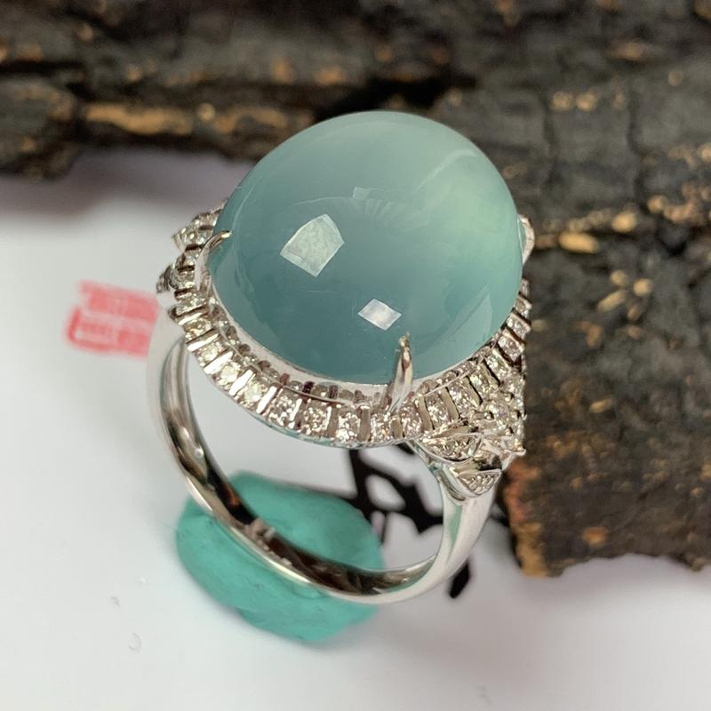 缅甸a货翡翠,18k金伴钻冰种戒指,玉质细腻,颜色艳丽,有种有色,佩戴效果更佳,整体18.9_16.