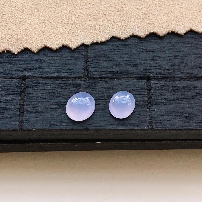 自然光实拍,缅甸a货翡翠,冰紫蛋面一对,种好通透,颜色漂亮,精致迷人,镶嵌效果好6.5*5.5*3m