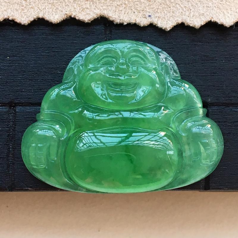 【原价1.8万元】*自然光实拍,缅甸a货翡翠,满绿坐佛,种好水润,颜色漂亮,玉质细腻,品相佳,镶嵌效