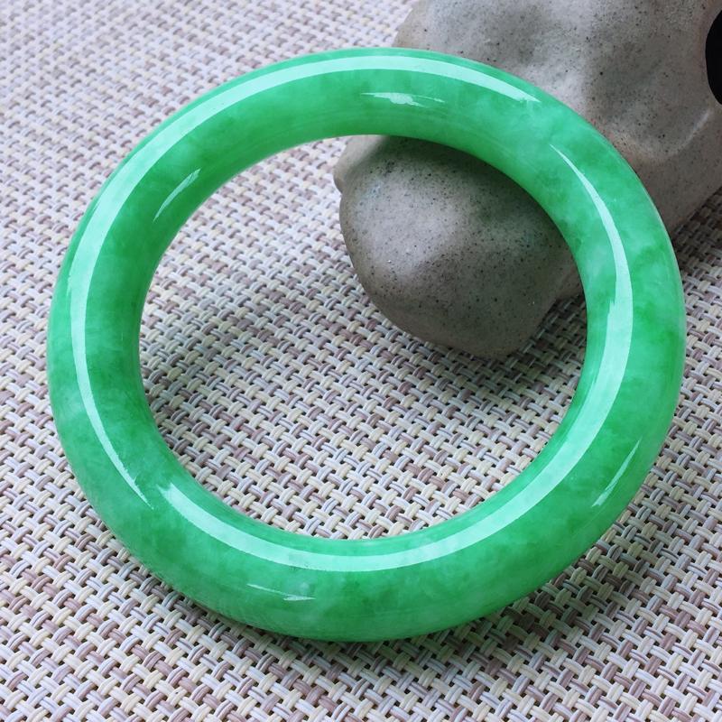 圆条56,天然A货翡翠-莹润优雅,精美满绿,质地细腻,颜色漂亮,圆条玉手镯 ,尺寸圈口56.0/10