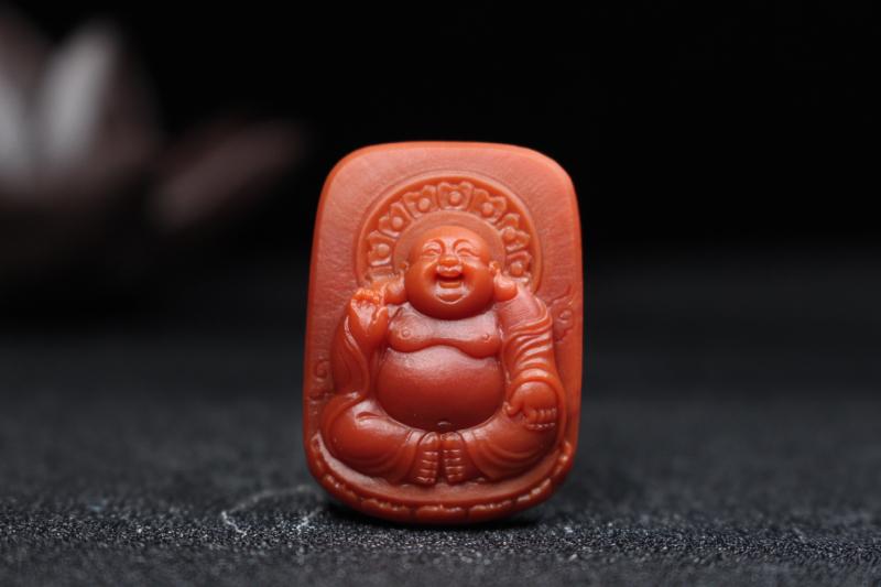 【原价6000元】*【弥勒佛】柿子红浅浮雕刻弥勒佛,牌型方正规整,弥勒端坐佛光普照,笑容憨态可掬,亲