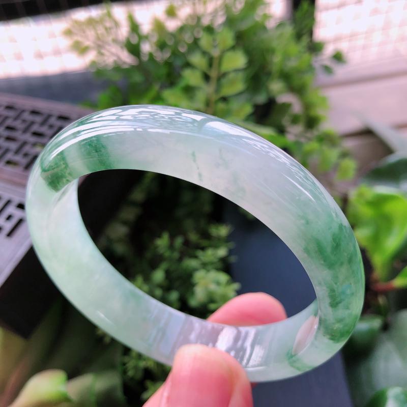 【飘绿花精美正装翡翠手镯,圈口55.8*13*7.3mm】图4