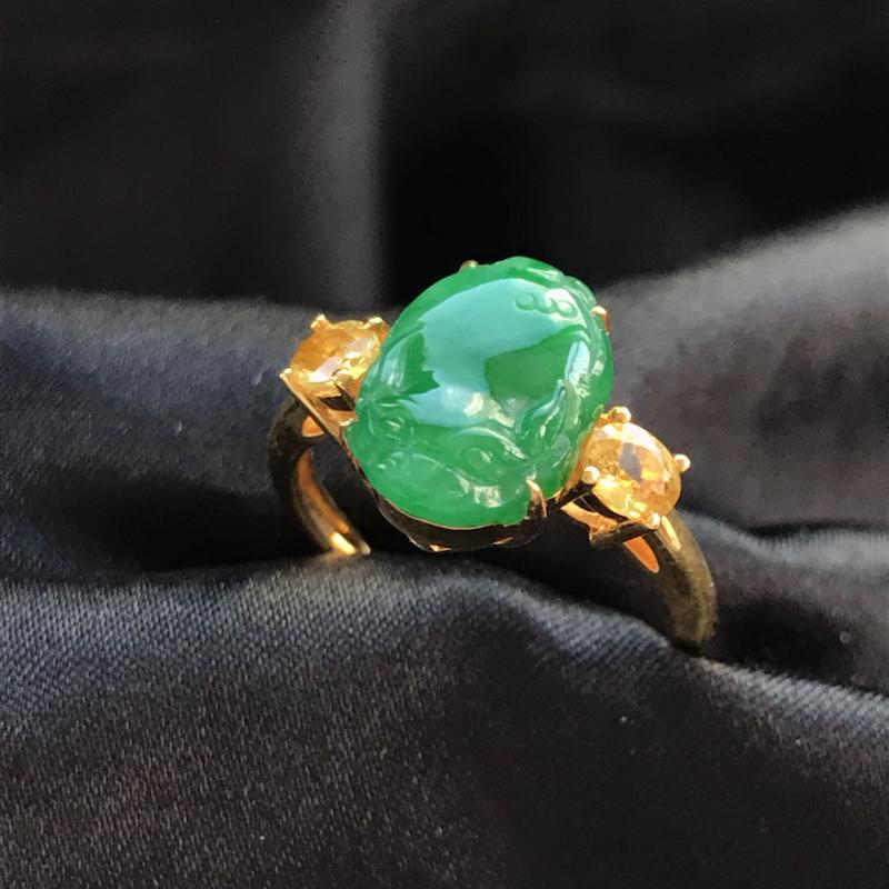 天然翡翠A货,18K金伴钻镶嵌,招财貔貅戒指,色泽鲜艳,料子细腻,冰透水润,款式精美,性价比高