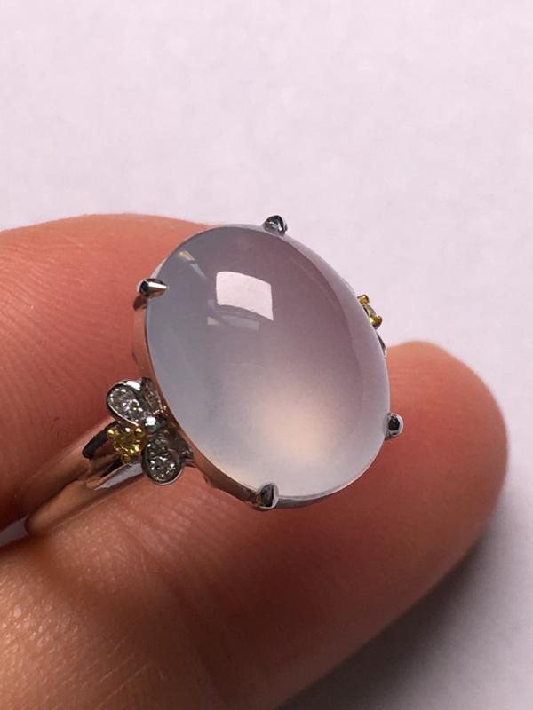翡翠A货,冰种蛋面戒指,18K金伴钻镶嵌,完美,种水超好,性价比高。