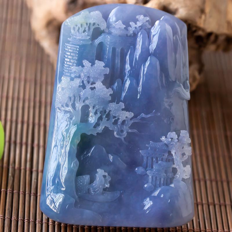 中国玉石雕刻华表奖优秀奖,杨克召大师作品,深山访友,老坑翡翠玉质细腻,雕工精湛,巧妙构思,悠闲舒适,
