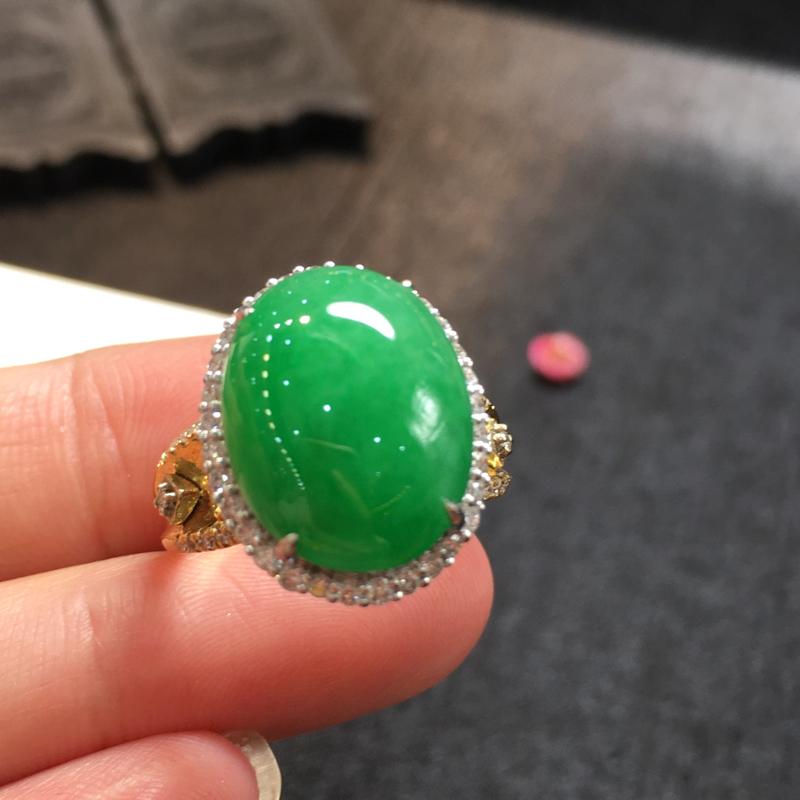 阳绿戒指,完美,底庄细腻,18K白金南非真钻镶嵌,性价比高,推荐,尺寸17.5*14.5*10.3/