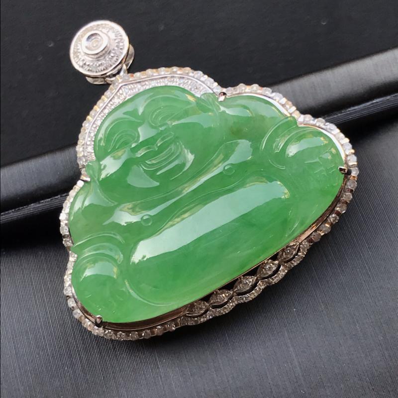 天然翡翠A货,18K金伴钻镶嵌,满绿弥勒佛,色泽鲜艳,料子细腻,冰透水润,款式精美,性价比高