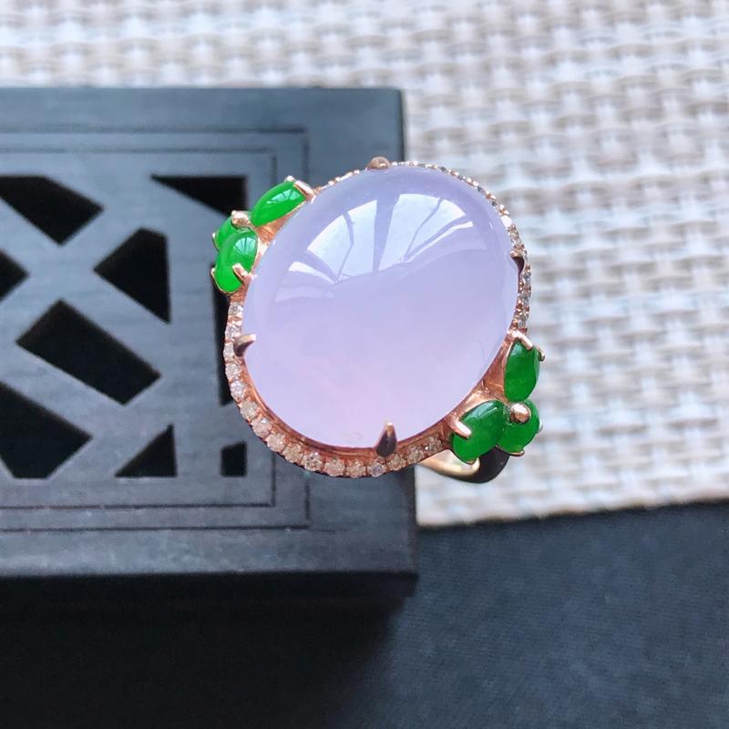 天然翡翠A货18K金镶嵌伴钻糯化种淡紫精美蛋面戒指,内径尺寸18.2mm,裸