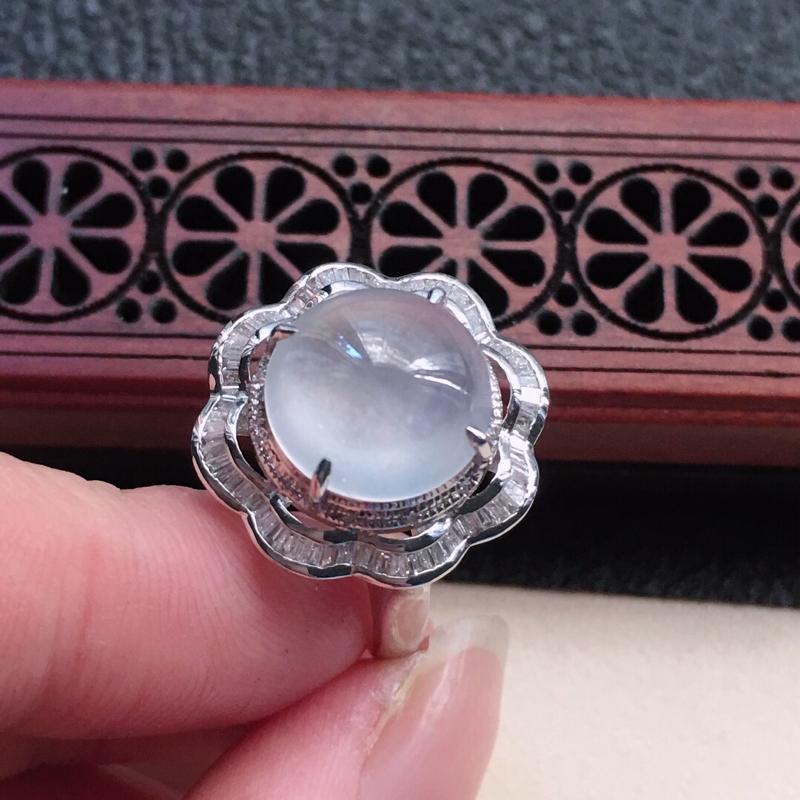 缅甸翡翠16圈口18k金伴钻镶嵌蛋面戒指,自然光实拍,颜色漂亮,玉质莹润,佩戴佳品,内径:16.7m