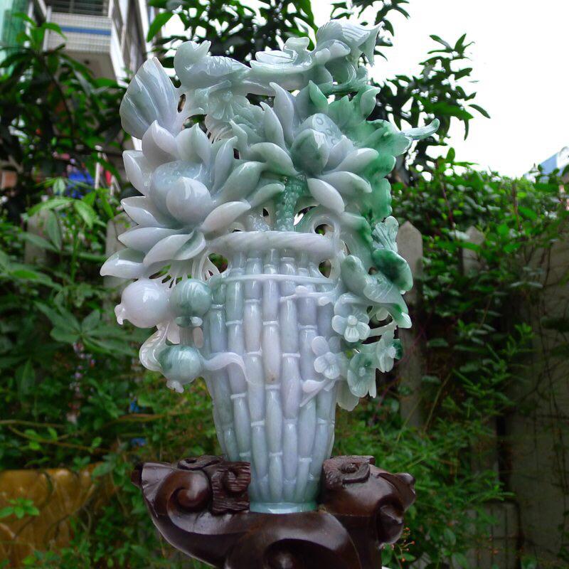 翡翠A货老坑精工阳绿荷花,梅花。寓意和和美美,喜结连缔 花瓶摆件    裸石尺寸:235/130/2