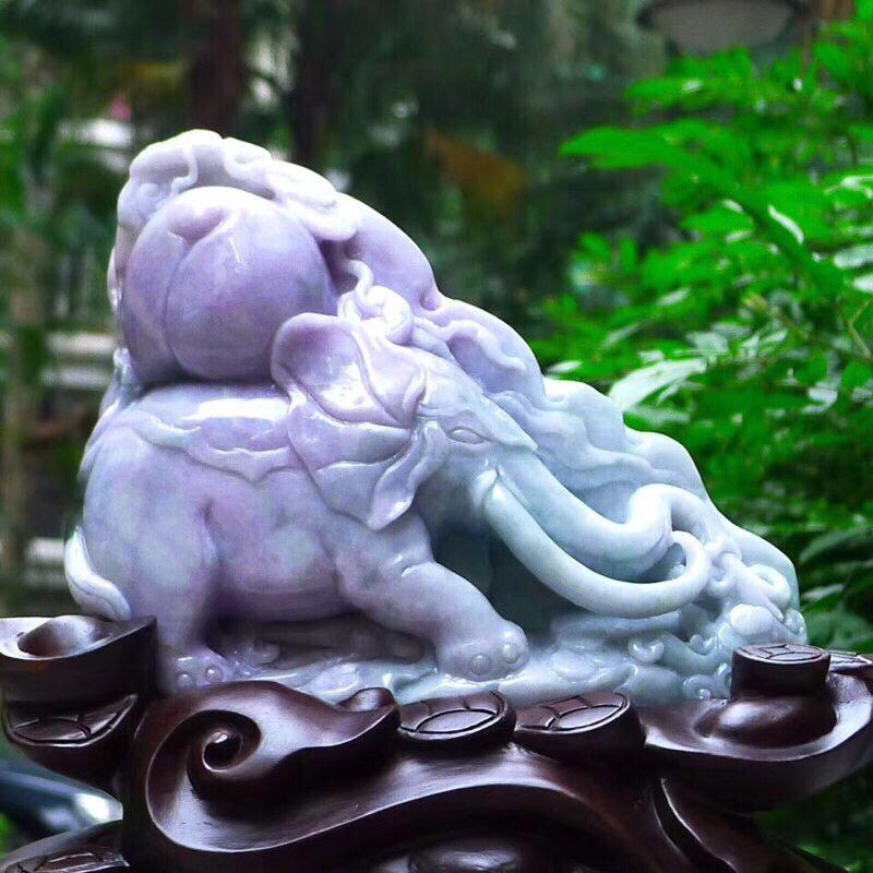 翡翠A货老坑水润精工紫罗兰万象更新大象  (吉人天相)精品摆件。裸石尺寸:175/210/45连底