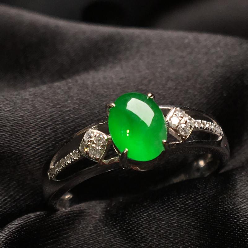天然翡翠A货,18K金伴钻镶嵌,冰种满绿戒指,色泽鲜艳,料子细腻,冰透水润,款式精美,性价比高