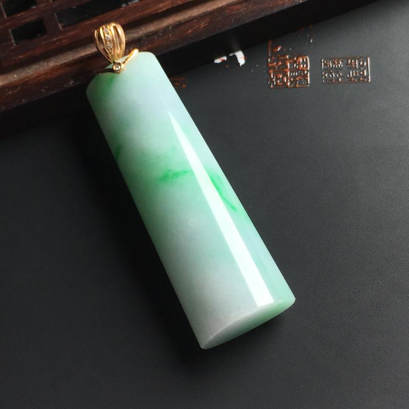 糯种带色无事牌吊坠 18K金扣 尺寸43-14-8毫米 色泽清爽 玉质细腻