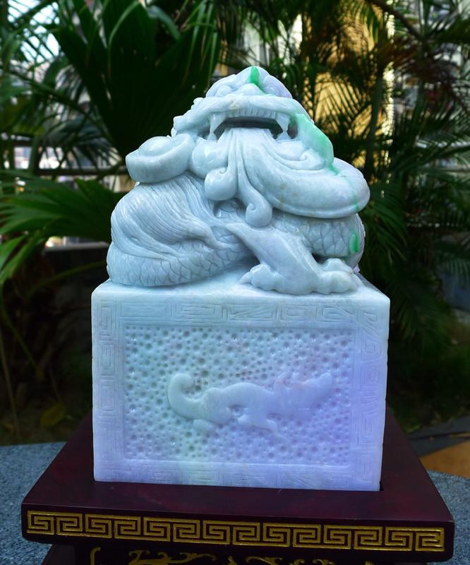 霸气龙腾盛世 龙印章摆件  缅甸天然A货翡 精美 霸气 龙腾盛世 霸气龙印章摆件 雕刻精美大件饱满
