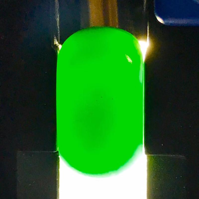 墨翠 【马鞍】完美无裂纹,细腻干净,黑度极黑,性价比高,雕工精湛,打灯透绿