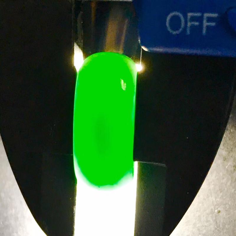 墨翠【马鞍】完美无裂纹,细腻干净,黑度极黑,性价比高,雕工精湛,打灯透绿