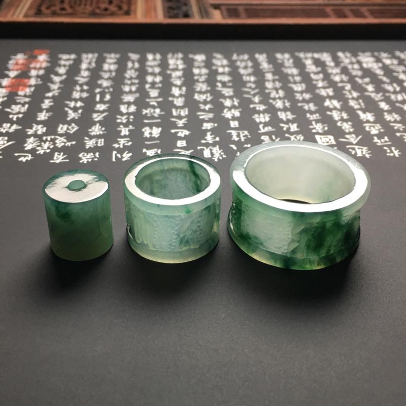 冰糯种深翠色六字真言路路通+扳指一套 尺寸27.5-14-3毫米 内直径22毫米 种好冰润 底色翠绿