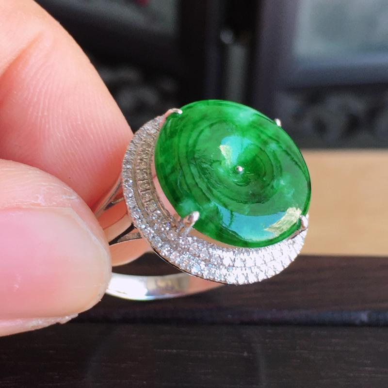 【内径17mm 天然缅甸翡翠A货18k金伴钻镶满绿翡翠平安扣戒指,色泽鲜艳 ,佩戴高档 ,尺寸包金17/7mm裸石14/2mm 重量3.70g 。】图8