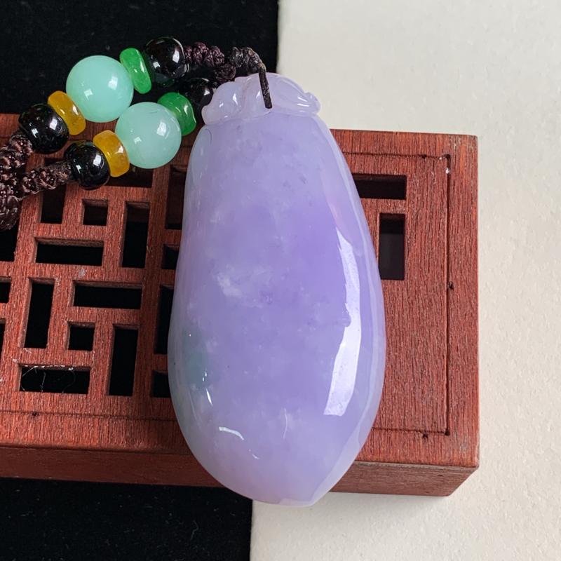 天然A货翡翠_紫罗兰翡翠福瓜吊坠,尺寸55.3*26.8*10.7mm,料子细腻,色彩艳丽,紫色迷人