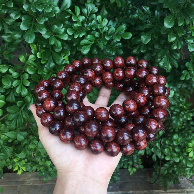 海南黄花梨精品紫红油梨念珠,同料制作18mm×108,纹理清晰,高油高密,底色干净,色泽均匀,把玩收