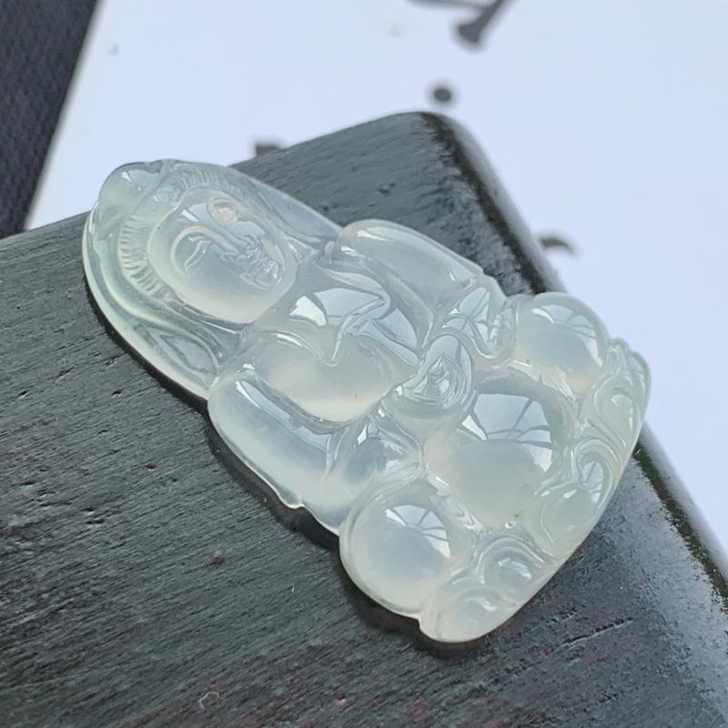 冰种观音菩萨吊坠,种好,玉质细腻,水头饱满,雕工精细,底子干净清爽,水润精致,上身效果极佳,尺寸30