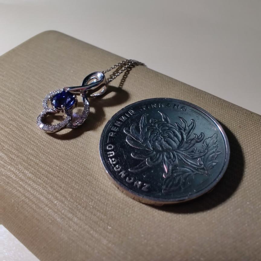 【【吊坠】18k金+蓝宝石+钻石 宝石颜色纯正深邃 高贵典雅 尺寸:5*4mm  重量:1.73g  主石:0.51ct##**】图5