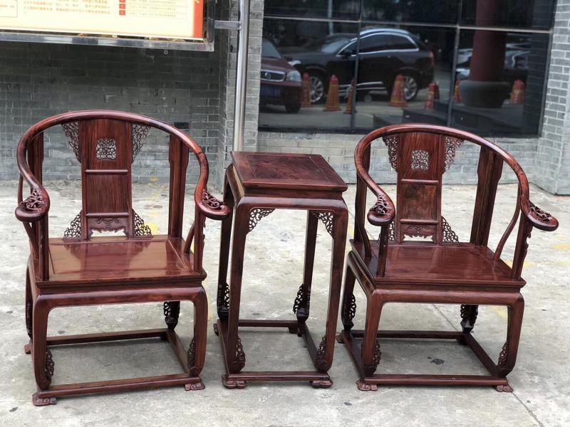 海南黄花梨 油梨皇宫椅 三件套  花纹绚丽 色泽均匀 用料厚实 椅子高98cm 座板62cmX49c