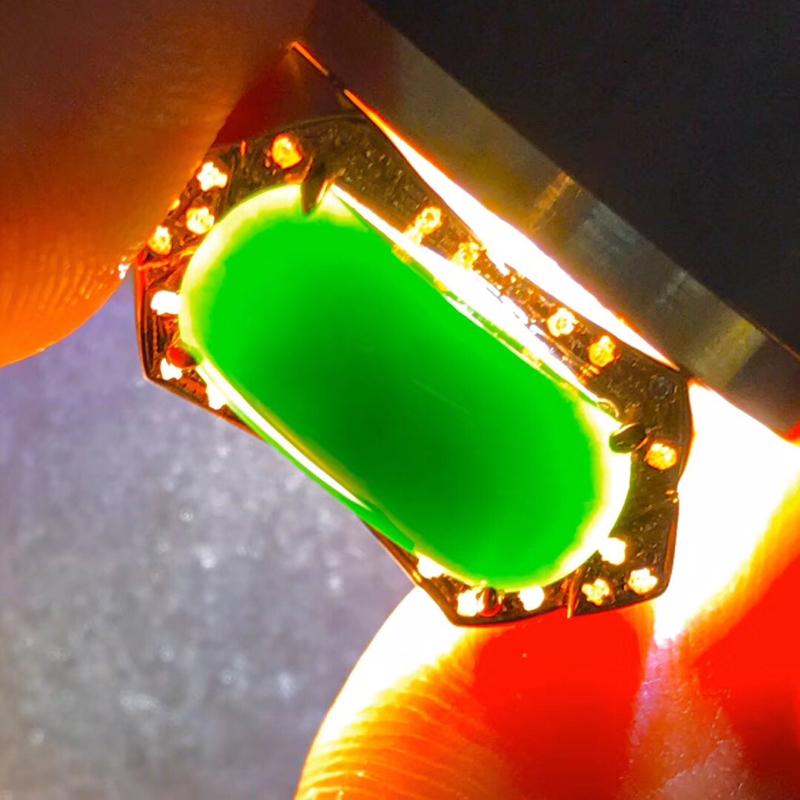 墨翠【戒指】18K金+南非钻镶嵌,完美无裂纹,细腻干净,黑度极黑,性价比高,做工精致,打灯透绿 整体