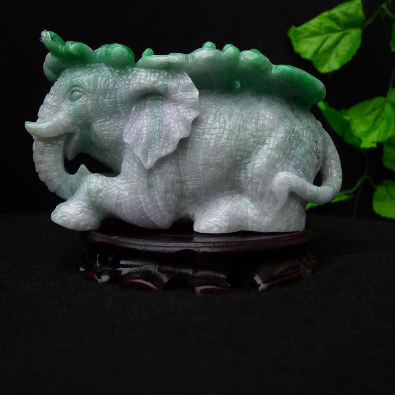 (太平盛象) 翡翠精雕水润飘绿大象🐘摆件 裸石尺寸85*160*90mm 玉石重1.59公斤 ,厚装