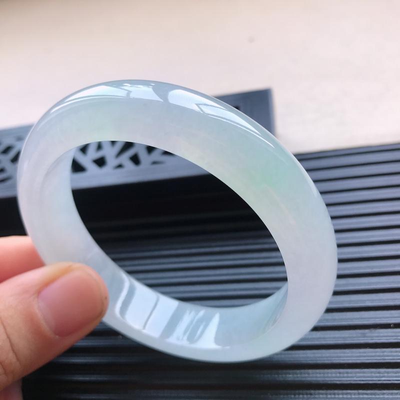 天然翡翠A货冰糯种水润通透浅绿种水正圈手镯,尺寸58-14-8.5mm,玉质细腻,种水