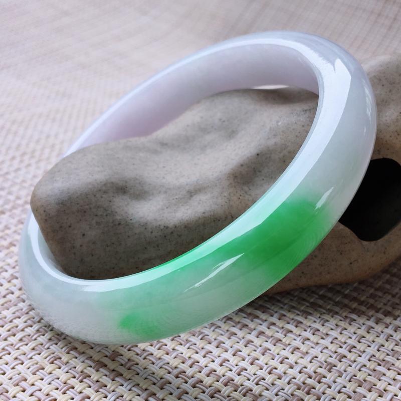 【原价3.14万元】*正圈60-61,天然翡翠手镯,莹润优雅,精美飘绿,质地细腻,颜色漂亮,正装玉手